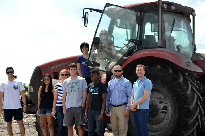 Armando Tabernilla (E '81) hosted a group of students on a tour of civil engineering projects across south Florida.