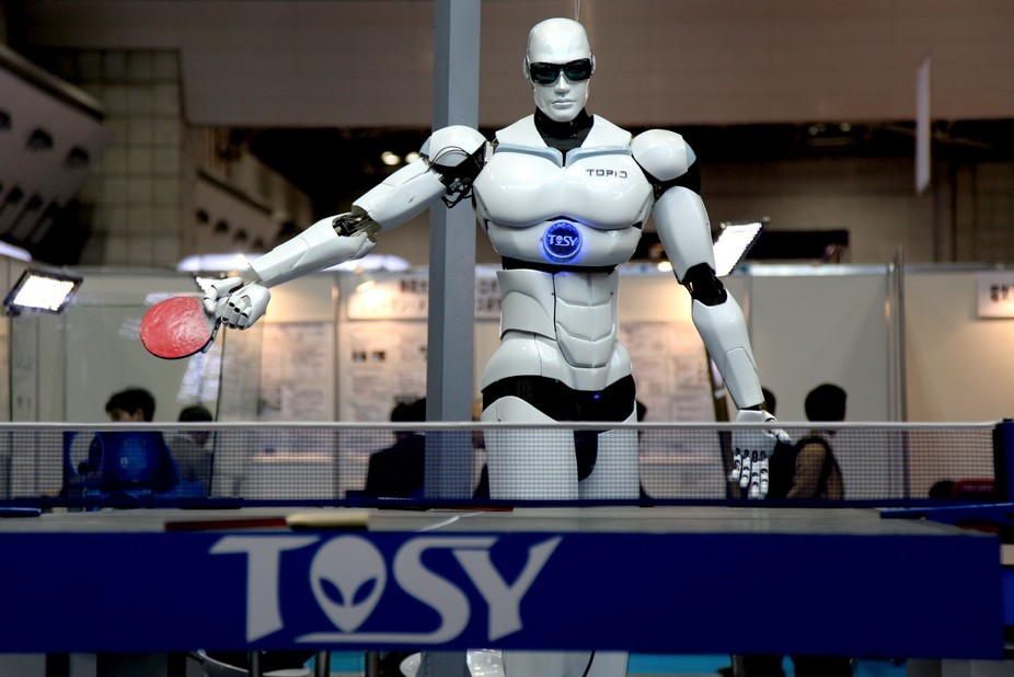 How can this robot know where to move safely, and where it will collide with something else? Humanrobo, CC BY-SA