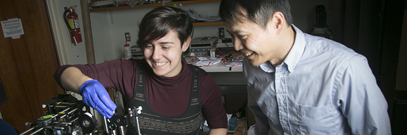 PhD student with professor Yiyang Gong in lab