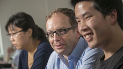 Guglielmo Scovazzi with students in lab