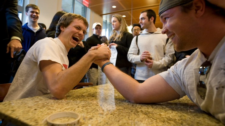 arm wrestling at e-social