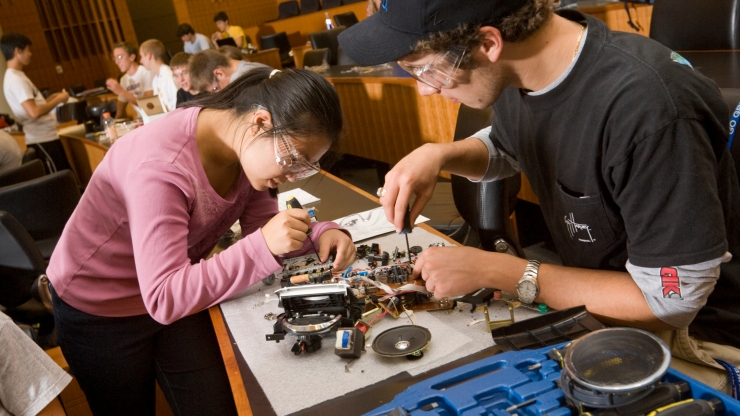 students in hands-on class