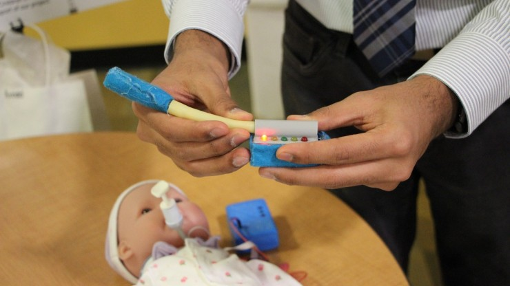 trach tube alert device