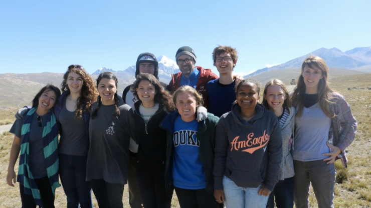 Professor Mike Bergin with students in Bolivia